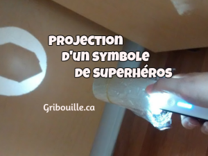 Fabrication d'un symbole de superhéros